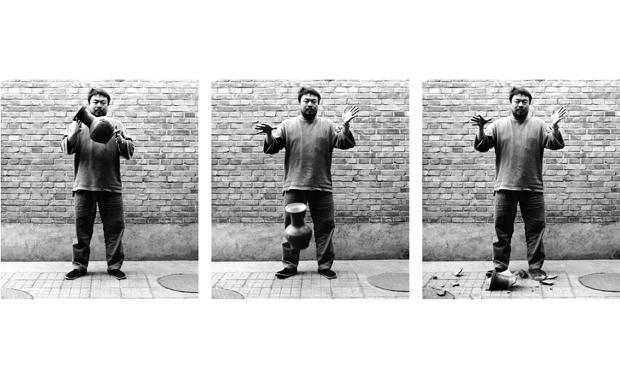 Ai-Weiwei-Dropping_1716506i