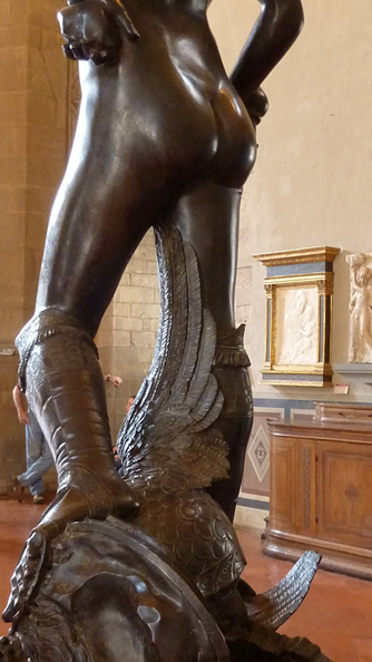 Donatello,_David_(bronze)_detail_of_legs