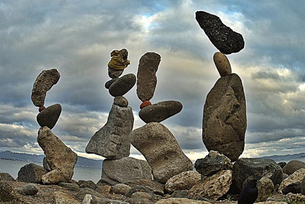 1404890774_rock_balancing_art1