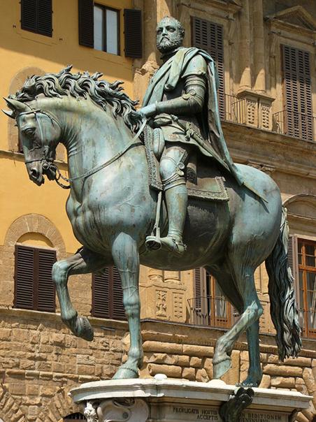 800px-PI6D98~2ruiterstandbeeld_Cosimo_I_de'_Medici