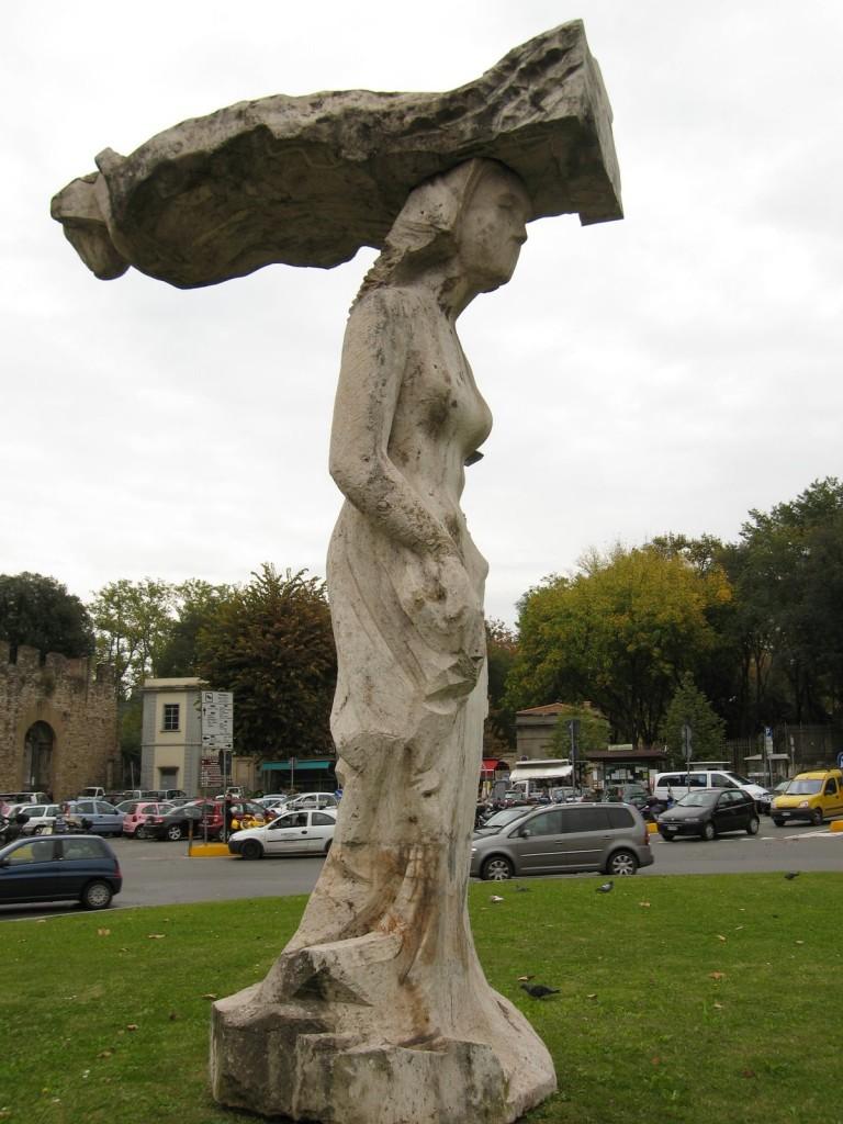 porta-romana-statue
