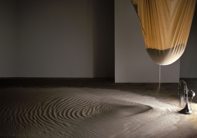 istllazione Drift 2000 1000lbs of sand, bag and fan 11 x 19 x 12 ft