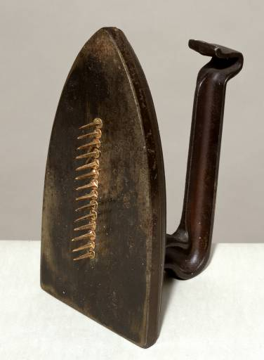 Man Ray, Cadeau (Gift), 1921, editioned replica 1972, iron and nail