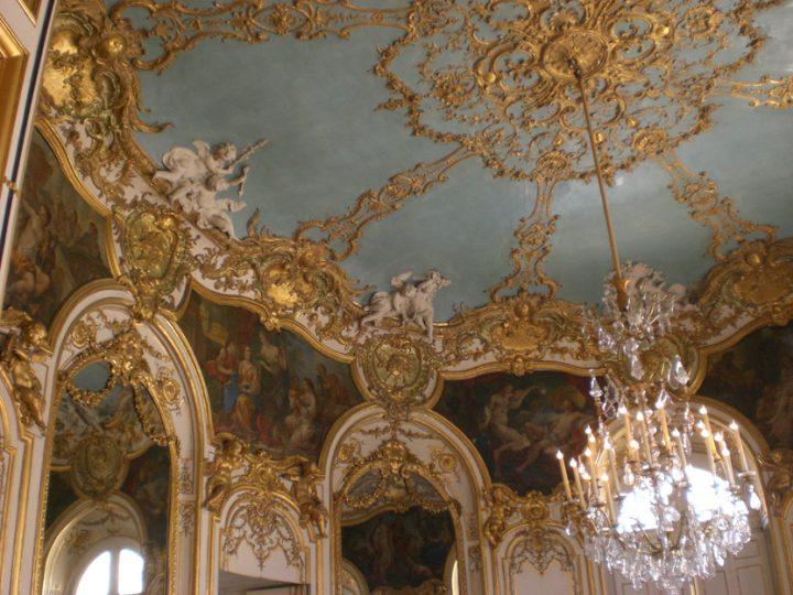 Lo splendido Salone ovale dell'Hôtel de Soubise di Parig