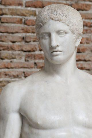 800px-Doryphoros_MAN_Napoli_Inv6011_n06