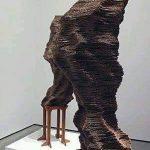 La scultura di cartone – Tobias Putrih