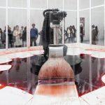 Sun Yan & Peng Yu – Can't Help Myself , istallazione – Biennale di Venezia 2019